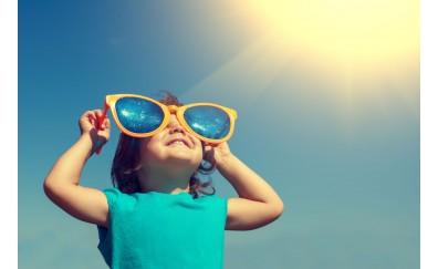Bimbi protetti al sole